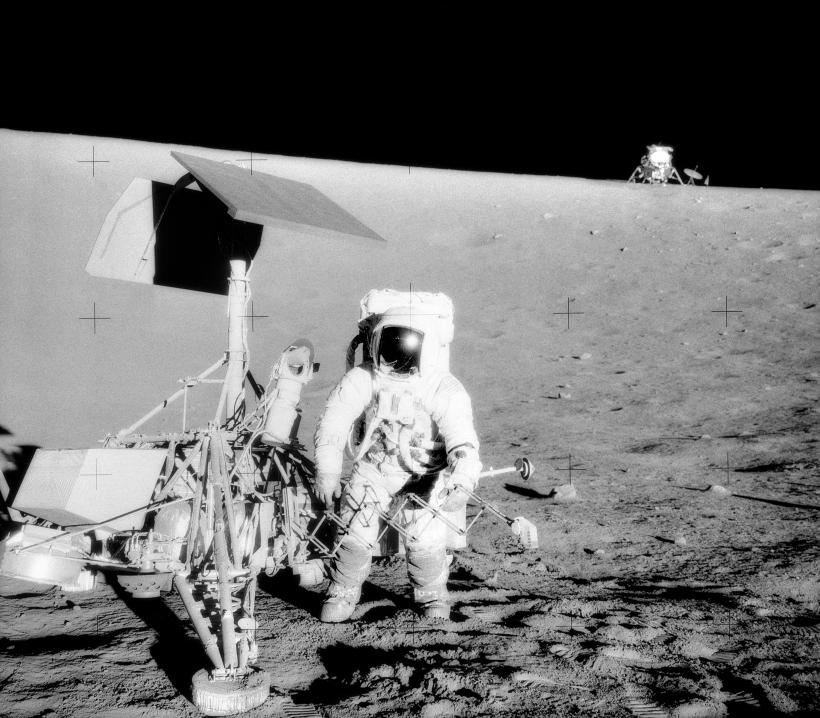 Surveyor_3-Apollo_12