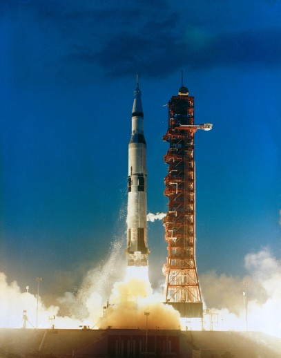 s67-49969-Apollo4launch